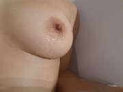 Photos des seins de Moisa, Une jolie poitrine